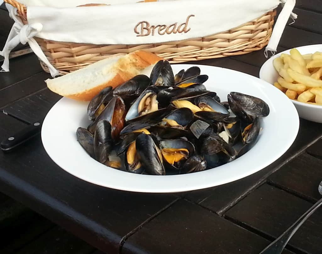 Moules Marinière. Moules...or mussels, whichever, they taste fantastic!