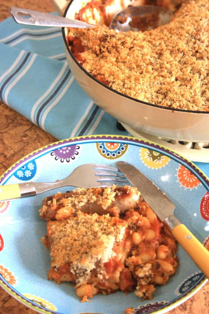 dish with cassoulet and bowl of a portion.