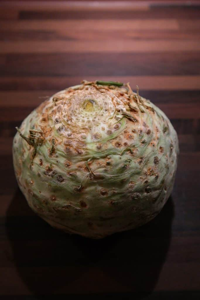 picture of a celeriac root