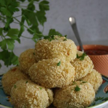 Pile of arancini on a plate