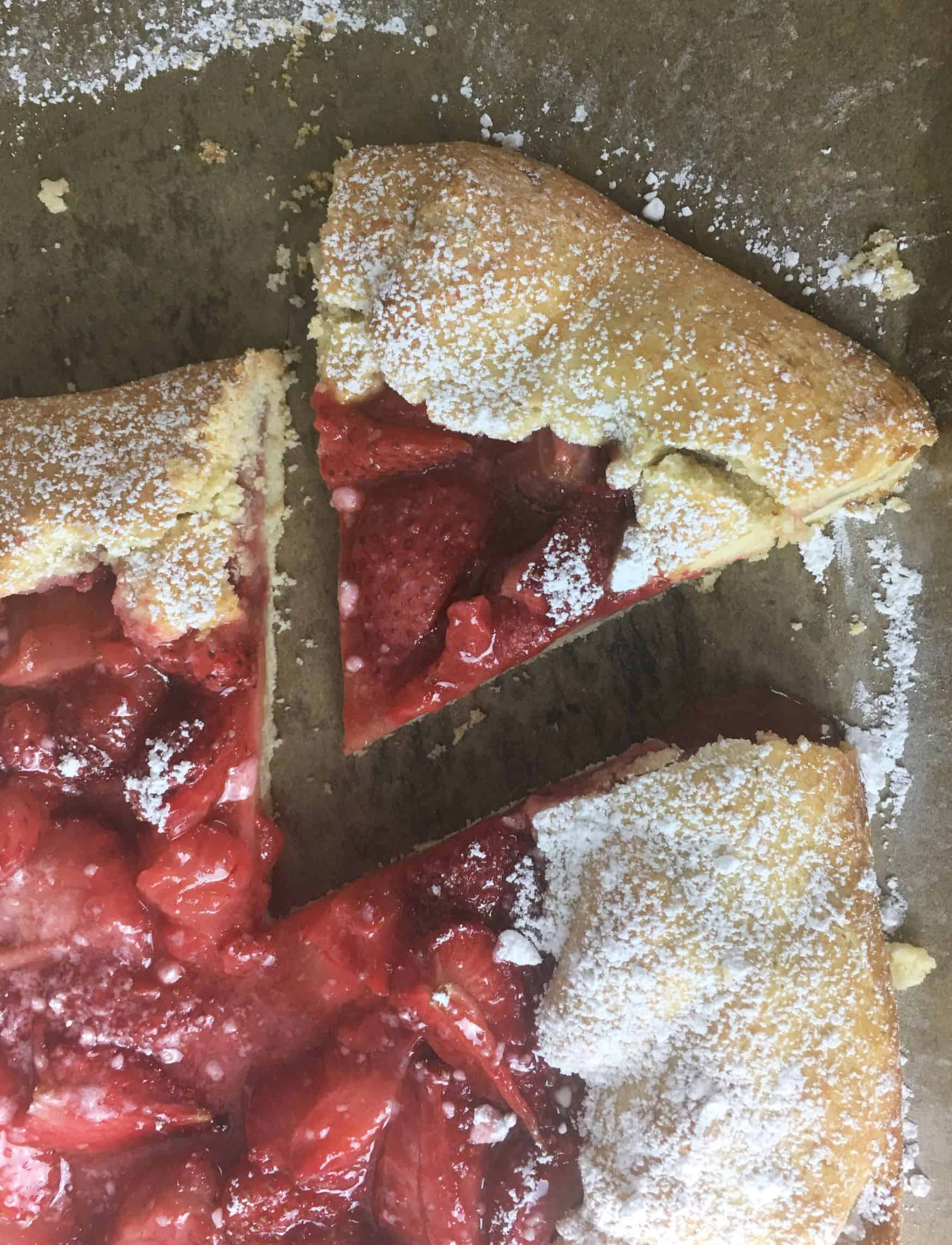 strawberry galette with cut slice.