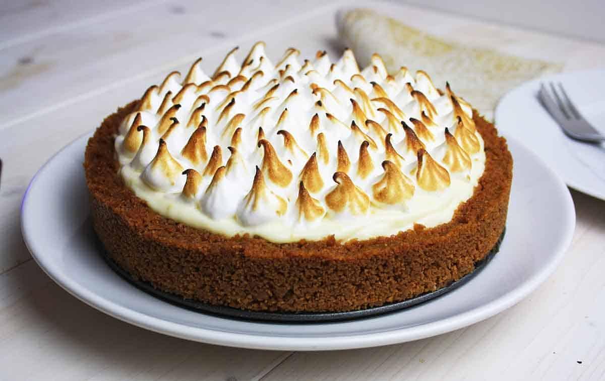 view of whole no bake lemon cheesecake.