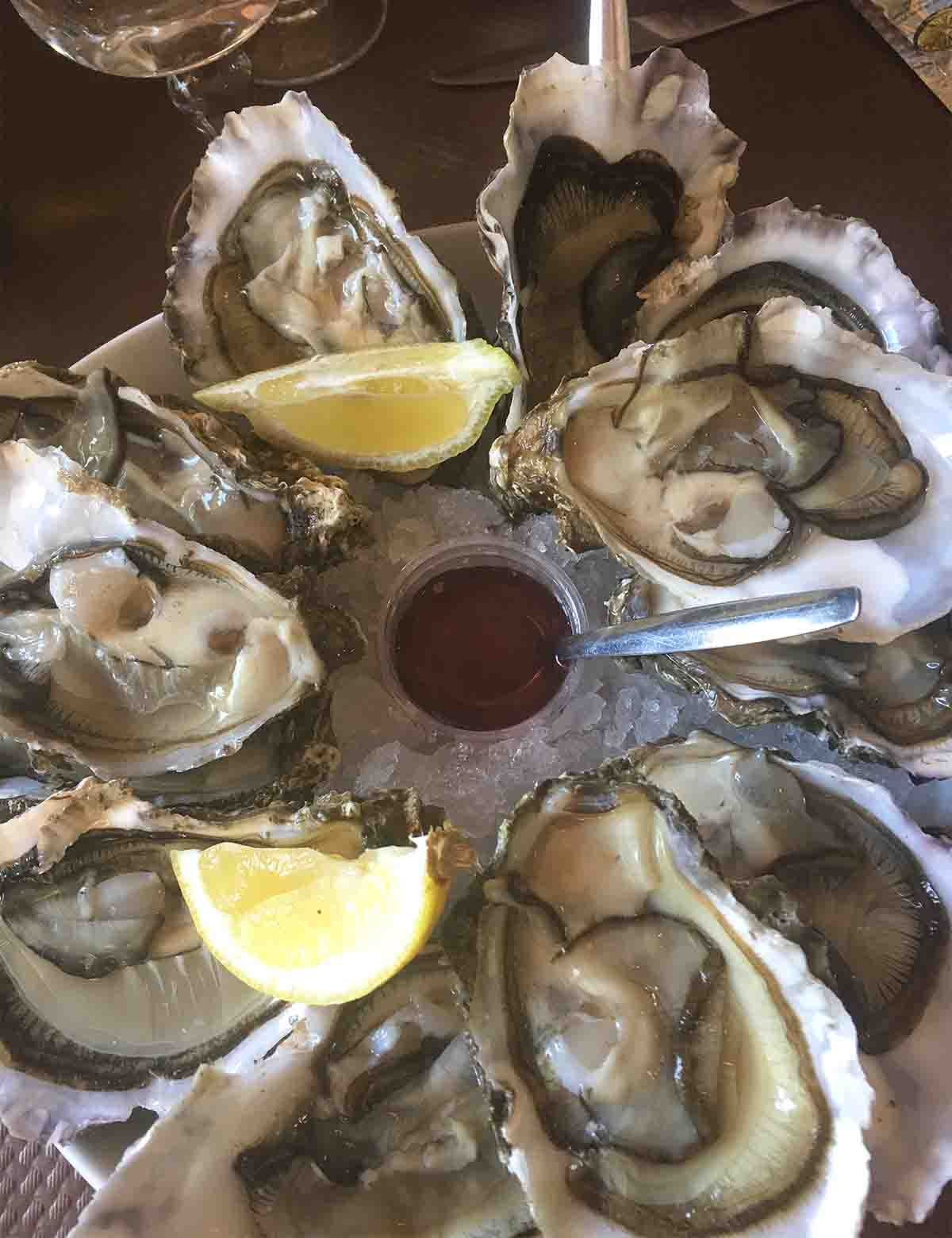 Plate of how to prepare oysters.